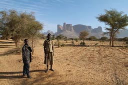 Peul boys, Douentza mountains. Acacia. Dry millet fields.