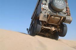 Land Rover in the Dunes, 3rd Axle in the air