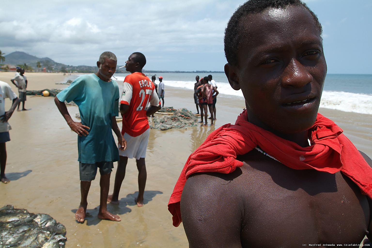 dating a sierra leone man A sierra leone woman the world's deadliest outbreak to date nigeria has put all its entry points on red alert after confirming the death there of a liberian man.