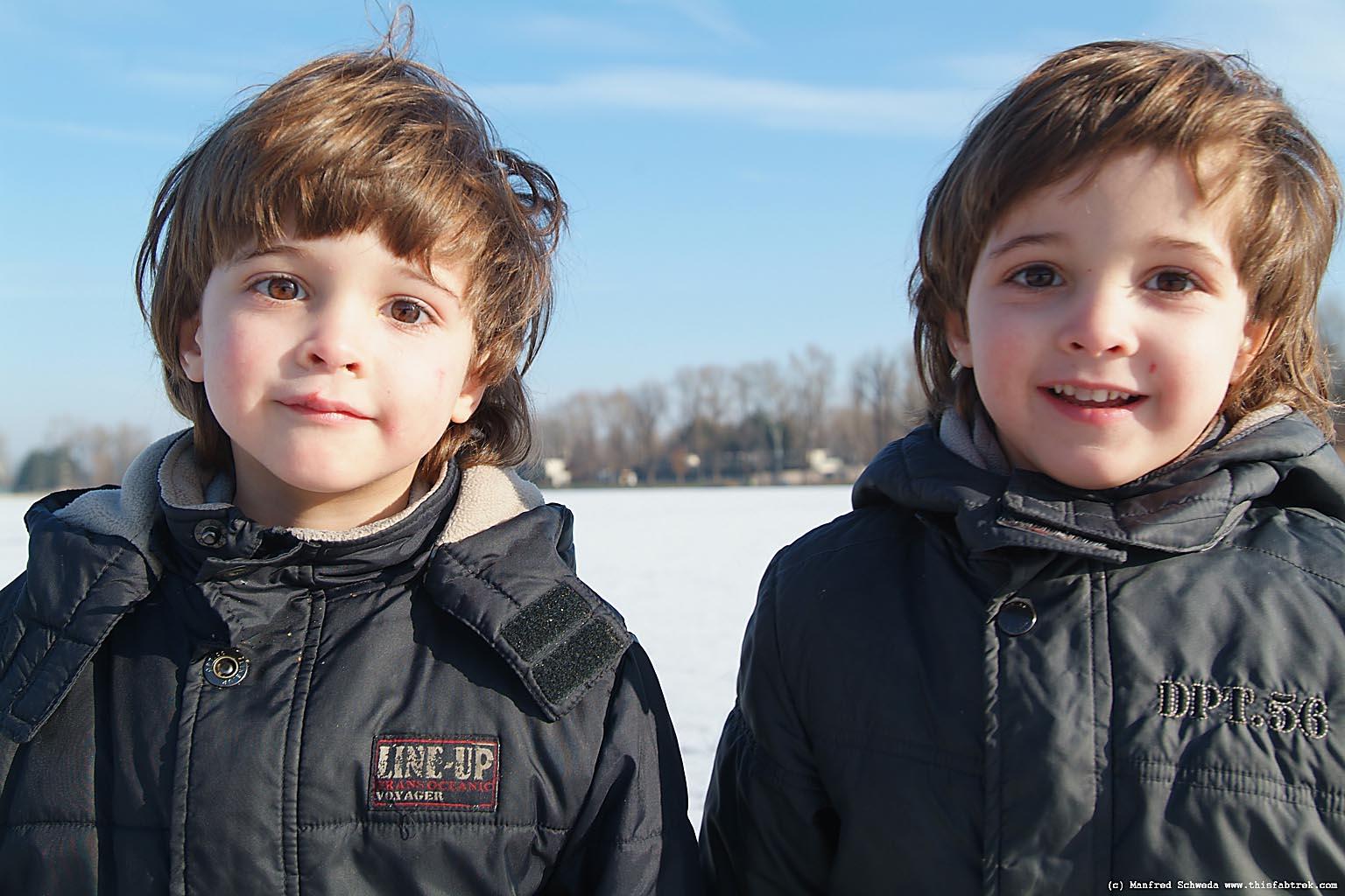 Boy twins foto 28