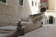 Dubrovnik, old man and hat.