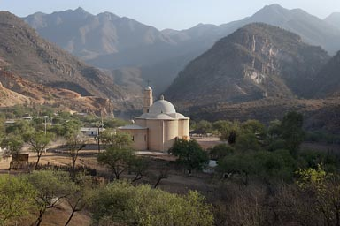 Early morning, Lost Cathedral, iglesia of mision del Santo Angel de Satev├│, 1760, Jesuit. Batopilas Canyon, Copper Canyon.