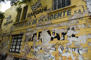 Autopartes de Occidente, Guadalajara. Wall where plaster comes off.