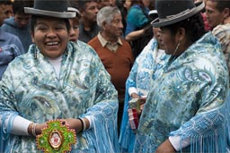 Women from Puno, all in turquoise. Independence Day in Peru.